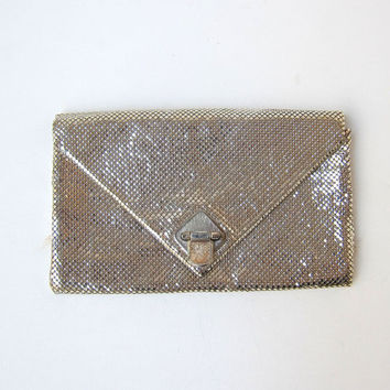 Vintage 1970s 1980s silver Glomesh metal mesh evening formal clutch purse