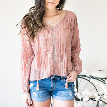 The Linen Look Top with Tassels - Mauve