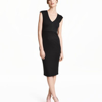 H&M Fitted Dress $29.99