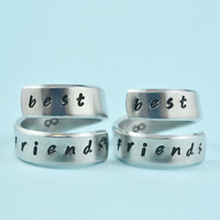 best friends - Spiral Rings Set, Hand Stamped, Handwritten Font, Shiny Aluminum, Friendship, BFF