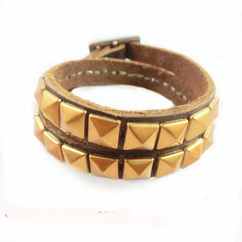 Women leather leather bracelets, bracelets, girl rivet, personalized bracelets