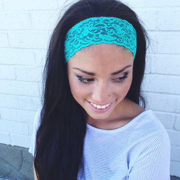Yoga Headband in Bright Aqua Lace