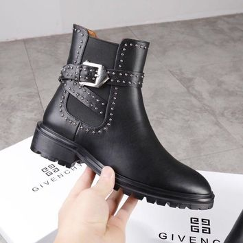 Givenchy  Fashionable leisure boots