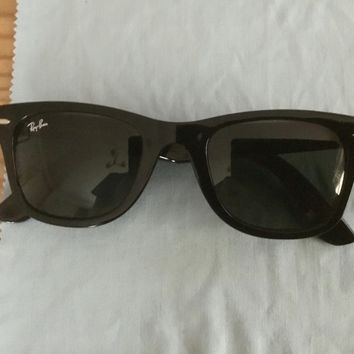 Mens Ray - Ban Wayfarer Sunglasses