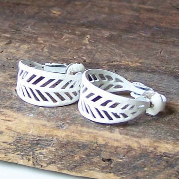 Etsy, Etsy Jewelry, Vintage Enamel Hoop Earrings, Filigree Hoops, Enamel Hoops, Enamel JEwelry, White Enamel Hoop Earrings