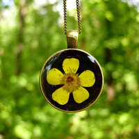 Real flower necklace - Creeping buttercup flower - Pressed flower jewelry - Nature inspired necklace - Botanical pendant -Yellow wild flower