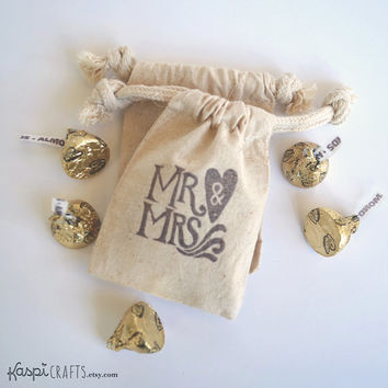 Wedding favor bag, Mr. and Mrs., muslin favor bag, wedding favor, cotton favor bag, rustic wedding, fabric bag for gifts, PACK OF 10