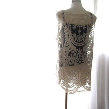 Vintage Boho Creamy Crochet Lace Tank Top // Perfect as Layering piece // S M L