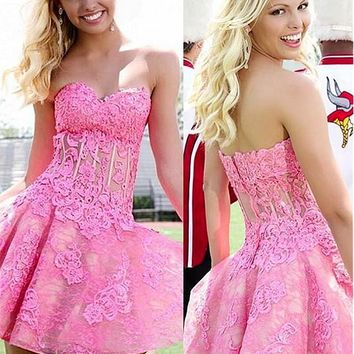 [98.99] Romantic Tulle & Lace Sweetheart Neckline A-Line Short Homecoming Dresses With Lace Appliques - dressilyme.com
