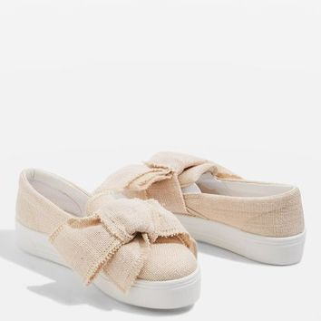 TUTU Oversized Bow Slip On Shoes - DETAILING - We Love