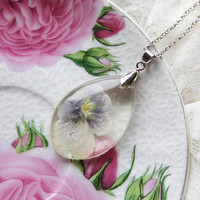 Clear Resin necklace with real dried flower, pressed flower necklace, terrarium jewelry, transparent necklace, epoxy jewelry, floral resin