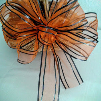 Spooky Halloween Bow, Halloween Wreath Bow, Fall Decor, Halloween Decorations, Orange and Black Wired Ribbon Bow, Door Bow, Corn Stalk Bows