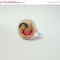 FALL CLEARANCE RETRO Geometric Modern: Lovely Swirls Button Ring In Red, White, Gold and Green.