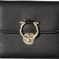 Salvatore Ferragamo Womens 22D183