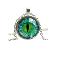 New Vintage Silver Plated Charming Green Cat Eye Necklace Pendant
