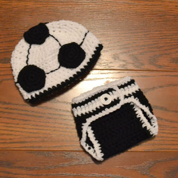 Newborn Soccer Hat and Diaper Cover Set, 0 to 3 months, Made to Order, World Cup, Crochet Baby Hat,  Newborn Photo Prop, Soccer Ball Set