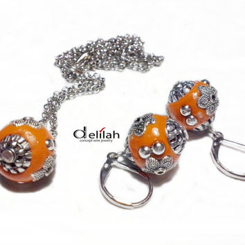 Orange Indonesian Beads Earrings and Necklace Indonesian Beads Jewelry Set Indonesian Beads Earrings Beaded Orange Earrings Orange Pendant