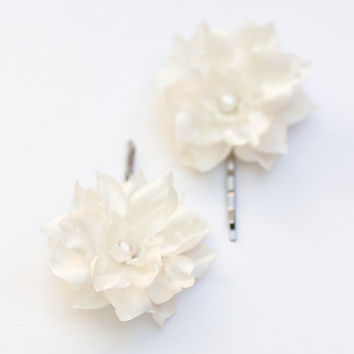Hair clips, Flower barrette, Hair accessories, Ivory flower clips, Hair pins, Hair flower, Fabric flower hair accessories, Hair clips flower