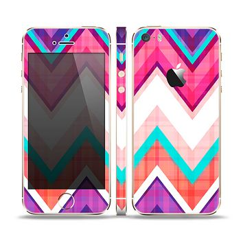 The Vibrant Teal & Colored Chevron Pattern V1 Skin Set for the Apple iPhone 5s