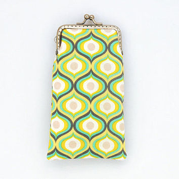 Sunglasses Case - Yellow Mint and Gray cotton fabric - Geometric pattern - Kiss Lock Silver Frame