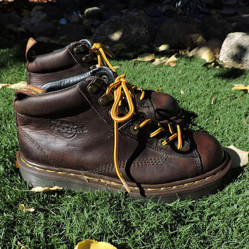 Dr Martens / size US 7 / 7.5 UK 5  /  made in England Authentic / vintage Doc Martens brown boots / combat boots /  SunnyBohoVintage
