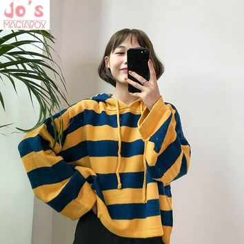 New 2018 Spring Sweater  Hooded women Loose short color stripes Pullovers Full sleeve Pink knitted One size Sweater Harajuku