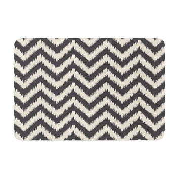 "Amanda Lane ""Moonrise Chevron ikat"" Memory Foam Bath Mat"