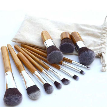 Cosmetic 11 Pcs Nylon Makeup Brushes Set with Gunny Bag