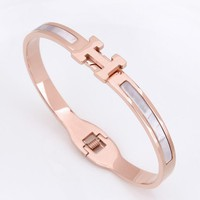 Hermes Fashion Women Delicate H Letter Rose Golden Stainless Steel Bracelet Jewelry I12470-1