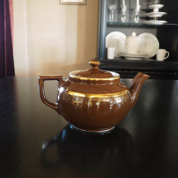 Vintage Boston Style HALL Teapot #30 | Brown with Gold Filigree Design | 4 Cup Capacity