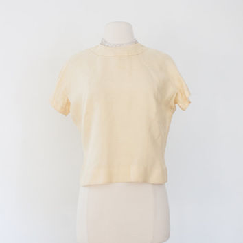 Cropped Button Back Shell. Med/Large. Pastel Yellow Silk. 50s Short-sleeve Blouse. Rockabilly, Classic. Spring Summer Vintage Fashion.