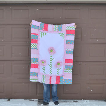 Girl RAG QUILT, Ruffled Flower in Pink, Turquoise, Green, Toddler Bedding, Made to order