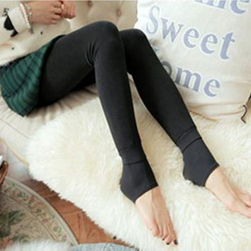 Plus Thick Pearl Velvet Leggings Young Women Sexy Pantyhose Solid Black Autumn Winter Warm Free Size High Elasticity Quality