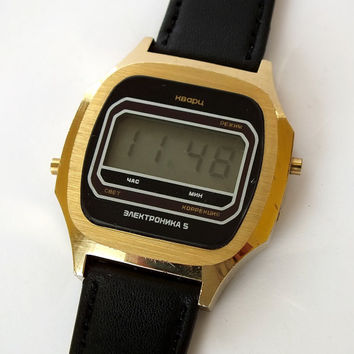 Vintage digital watch. Mens watch Elektronika 5. LCD watch for men. Gents quartz watch. Retro digital  mens watch.