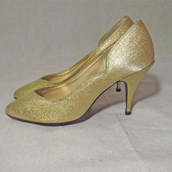 Vintage 80s Gold Metallic Heels | 1980s Gold Stilettos | 50s Bad Girl Style | Spike Heel Pointy Toe | Gold Cut Out Pumps | Dancin Shoes | 7