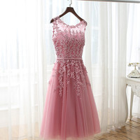 2017 New Arrival Tea Length Appliques Beaded Tulle Bridesmaid Dresses Short Wedding Party Dress Sexy Back robe de soiree Custom