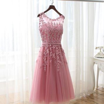 2016 New Arrival Tea Length Appliques Beaded Tulle Bridesmaid Dresses Short Wedding Party Dress Sexy Back robe de soiree Custom
