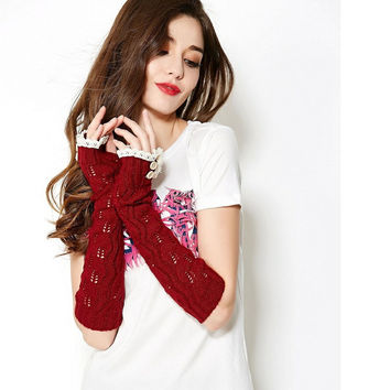 Leaves Pattern knitted arm warmers acrylic fingerless gloves women Thumb hole winter gloves Lace trim mittens Vintage L63