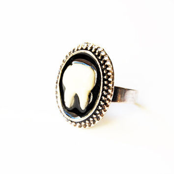 The Rotten Tooth - Handmade Vintage Cameo Ring - Memento Mori - Mourning Jewelry