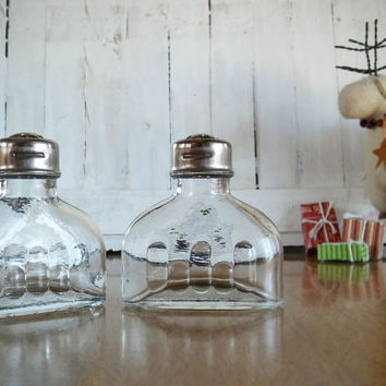 Jeannette Glass Salt Shaker Set, Vintage Jeannette Salt Shaker National Pattern Clear Glass