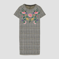 SHORT SLEEVE DRESS WITH SEQUINNED EMBROIDERY