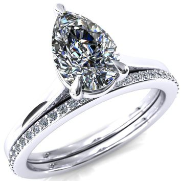 Lizzy Pear Moissanite 3-Claw Prong Engagement Ring