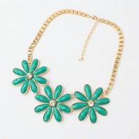 Fashion Daisy Statement Necklace | LilyFair Jewelry
