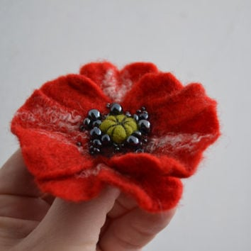 Red Poppy Wool Felted Flower Pin, Opium Poppy, Whimsical Flower Brooch, Floral Statement Accessory, Poppy Pin Brooch, Corsage Brooch