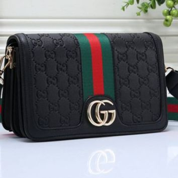 Gucci sells ladies'colour shopping bags and one-shoulder bags
