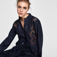 LINEN TUNIC WITH CONTRASTING LACE DETAILS