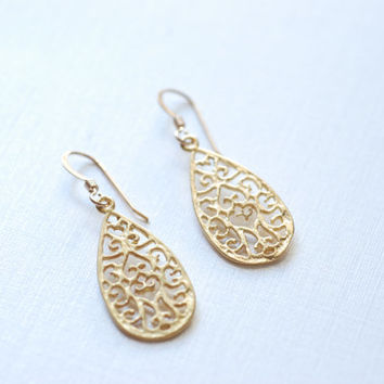 18k Gold Teardrop Earring, Gold Filigree Earring, Textured Drop Earring, Gold Chandelier Earrings