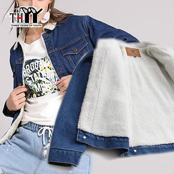 THYY Outerwear Coat 2017 Women Denim Jacket with Lamb Fur Lapel Collar Oversized Fleece Lined Parka Jeans Warm Winter Jacket