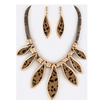 Gorgeous Leopard Print Genuine Leather Necklace Set