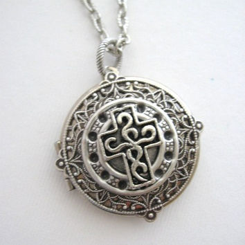 Cross,LOCKET,Silver Locket,Cross Necklace,Celtic Knot Cross,Christian Jewelry,Cross Jewelry, Antique Locket,Irish Cross,Easter, Celtic Knot